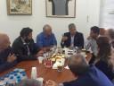 Ο Πρόεδρος της ΚΕΔΕ στη Σαντορίνη – Σύσκεψη με φορείς