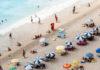 Ομπρέλες στην παραλία
