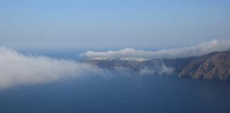 Σύννεφα υγρασίας στην Οία