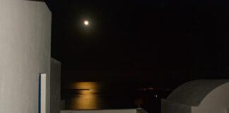 Φεγγάρι στο καταχείμωνο